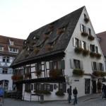 """""""Het scheve hotel"""" maar dan op zijn Duits"""