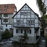Woning tussen de waterstromen